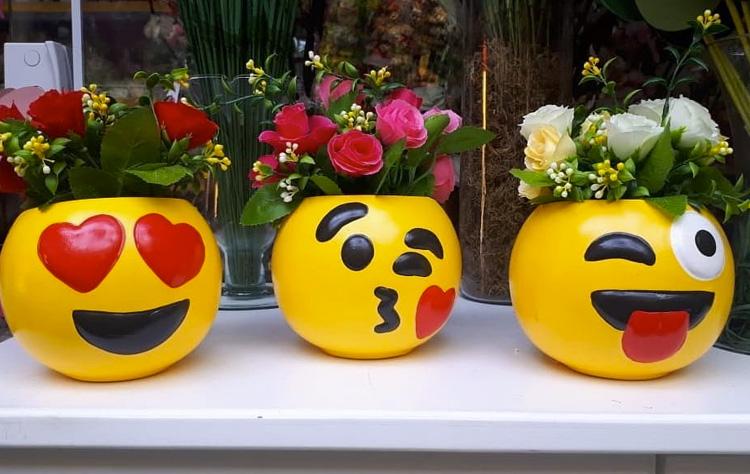 Segredo da festa em casa vasos decorativos emoji It Mãe