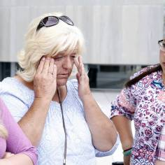 Lillie Spencer, sister of rancher Cliven Bundy, left, and her niece Stetsy Cox, right, outside the Lloyd George U.S. Courthouse on Monday, April 24, 2017, in Las Vegas. Bizuayehu Tesfaye Las Vegas Review-Journal @bizutesfaye