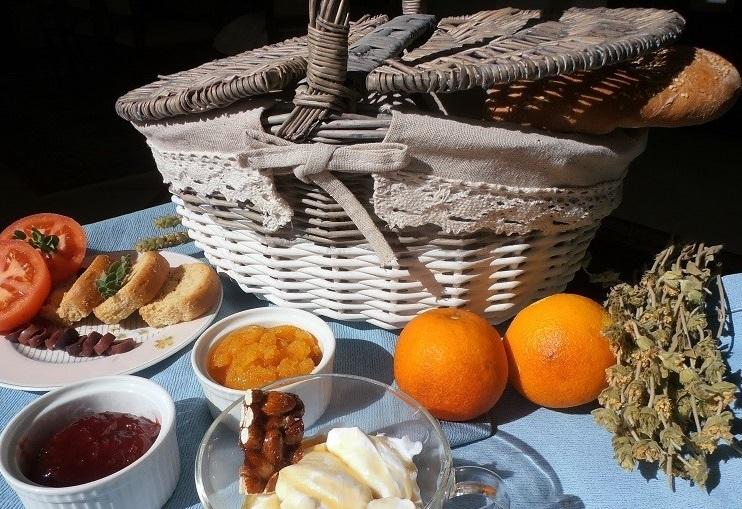 Γεύση Ελλάδας στο πρωινό των μικρών καταλυμάτων
