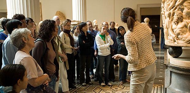 Ανοίγει  η Σχολή Ξεναγών της Αθήνας μετά από 7 χρόνια