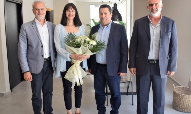 Συνάντηση της Υπουργού Τουρισμού Έλενας Κουντουρά με το Δήμαρχο Χερσονήσου Ηρακλείου Γιάννη Μαστοράκη για τα θέματα της τουριστικής ανάπτυξης της περιοχής