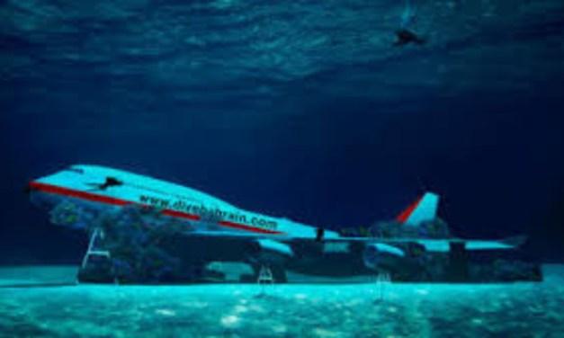 Tο Μπαχρέιν δημιούργησε θαλάσσιο πάρκο και βύθισε ένα πραγματικό Boeing