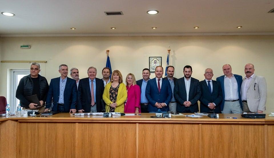 Με πλήρη επιτυχία ολοκληρώθηκε την Κυριακή 13 Οκτωβρίου η 6η Συνεδρίαση του Περιφερειακού Επιμελητηριακού Συμβουλίου (Π.Ε.Σ.) Στερεάς Ελλάδας που πραγματοποιήθηκε στο φιλόξενο Καρπενήσι.