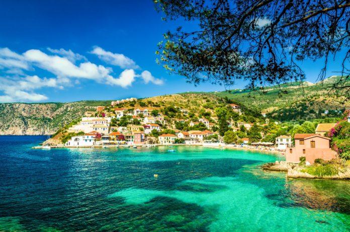 Διακοπές στην Ελλάδα αντί για την Τουρκία και την Ισπανία