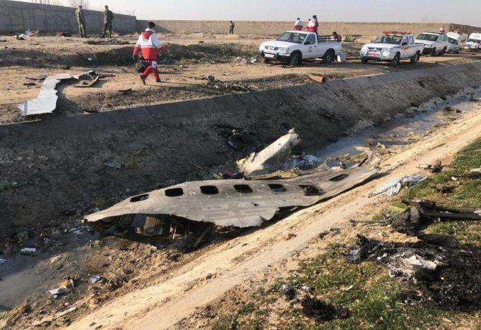 Ιράν – Boeing 737: Βρέθηκαν και τα δύο μαύρα κουτιά – Απέσυραν οι Ουκρανοί τις αρχικές εκτιμήσεις περί βλάβης