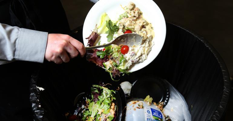 Γιατί η τουριστική βιομηχανία πρέπει να ανησυχεί για τη σπατάλη τροφίμων