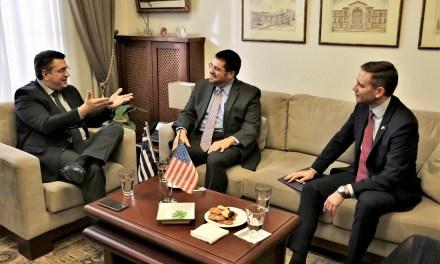 Συνάντηση του Περιφερειάρχη Κεντρικής Μακεδονίας Απόστολου Τζιτζικώστα με τον Επιτετραμμένο στην Πρεσβεία των ΗΠΑ David Burger και τον Γενικό Πρόξενο των ΗΠΑ στη Θεσσαλονίκη Gregory Pfleger