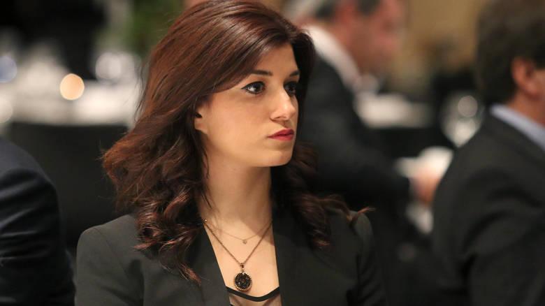 Κατερίνα Νοτοπούλου «Άλλα λόγια ν' αγαπιόμαστε ο κ. Θεοχάρης»