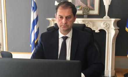 Το σχέδιο για τη στήριξη και τη επανεκκίνηση του ελληνικού τουρισμού- βασισμένο σε πέντε άξονες- παρουσίασε στη Βουλή ο υπουργός Τουρισμού κ. Χάρης Θεοχάρης απαντώντας σε επίκαιρη ερώτηση του βουλευτή του ΚΙΝΑΛ κ. Φραγγίδη.