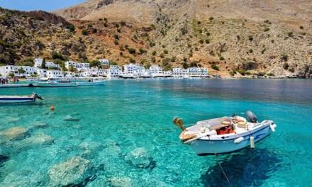 Σε τουριστική περίοδο 3 μηνών φαίνεται πως βαδίζει ο ελληνικός τουρισμός