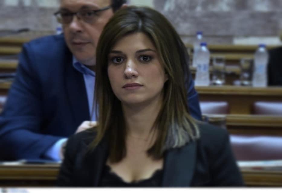"""""""Ο Υπουργός Τουρισμού αντί να ασχολείται με το πως θα σώσει τον ελληνικό Τουρισμό ασχολείται με το πως θα θησαυρίσει μια και μόνο ιδιωτική εταιρία""""  Κ.Νοτοπούλου"""
