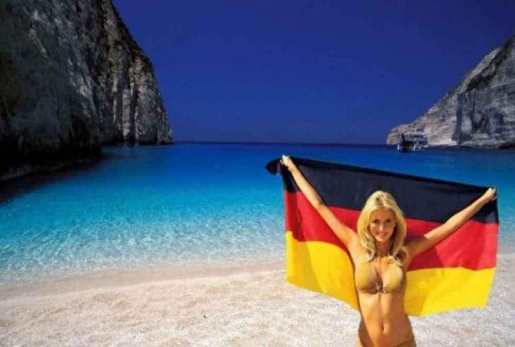 Γερμανικά ΜΜΕ: «Να ανοίξουν τα ξενοδοχεία και τα εστιατόρια στην Ελλάδα για να έρθουμε διακοπές»