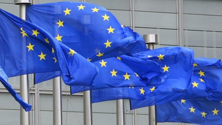 Δεν αρκεί ο εμβολιασμός για ελεύθερη κυκλοφορία εντός της ΕΕ