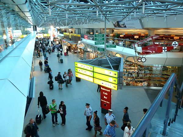 Η Γερμανία επεκτείνει τους ταξιδιωτικούς περιορισμούς σε Βιέννη, Άμστερνταμ και Βουδαπέστη