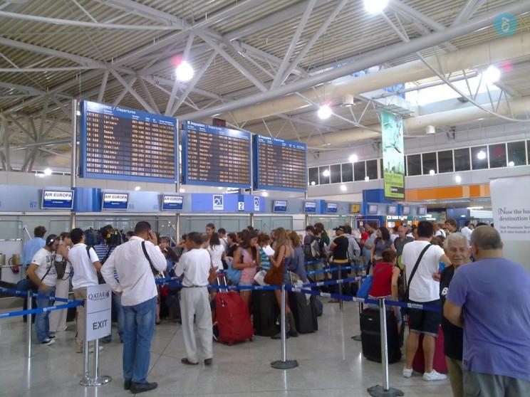 ΕΕ: Χαλαρώνουν οι ταξιδιωτικοί περιορισμοί για το καλοκαίρι