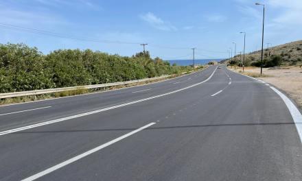 Ξεκίνησαν οι εργασίες βελτίωσης της οδικής ασφάλειας στην παραλιακή λεωφόρο Βάρκιζας-Σουνίου από την Περιφέρεια Αττικής