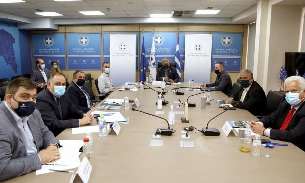 Συνάντηση του Περιφερειάρχη Αττικής με τους Προέδρους Επαγγελματικών Επιμελητηρίων Αθηνών και Πειραιά