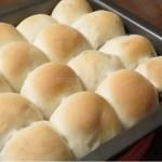 日本一簡単に家で焼けるパンレシピ 【スクウェアパン型付き】(Backe晶子)で美味しいパンを焼いています♪