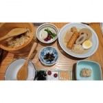 羽田空港にて 銀座おぐ羅のおでんで朝ご飯