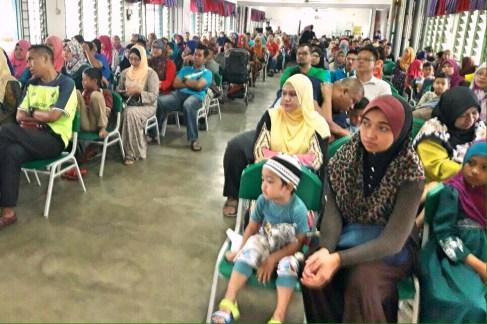 Antara ibubapa yang hadir