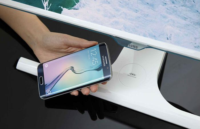 Ny Samsung-skjerm lader smarttelefonen din trådløst
