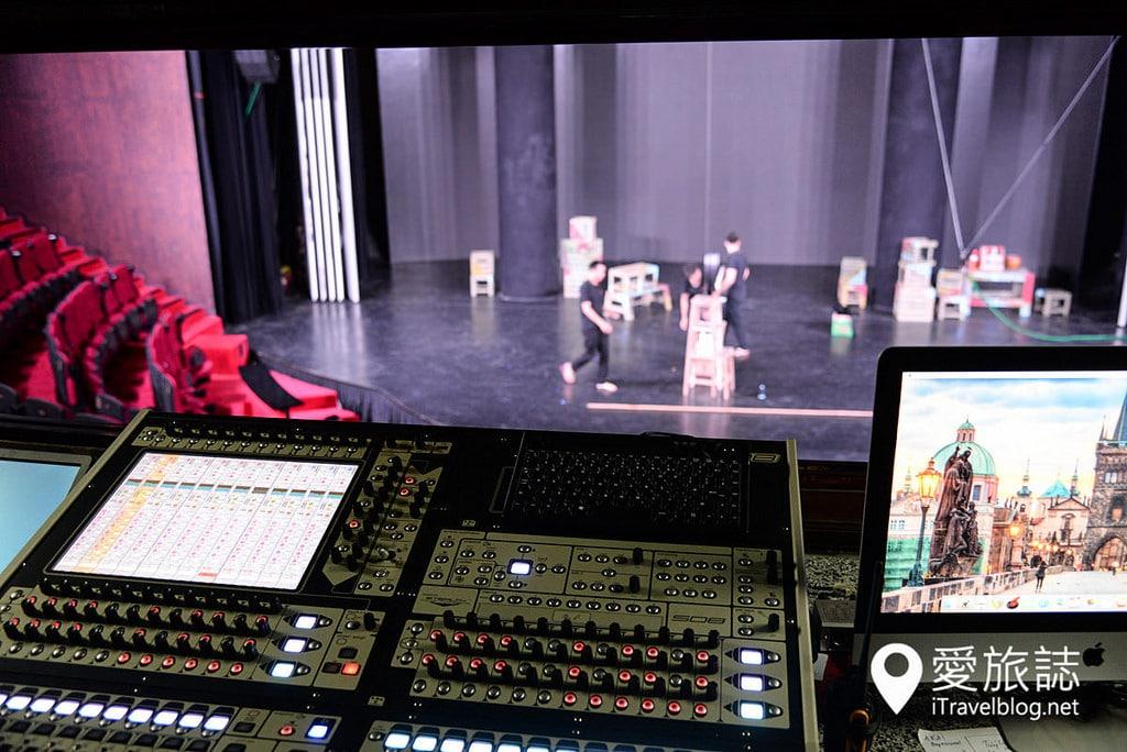 《河內景點推薦》Ionah Show:結合舞蹈、特技、魔術與光影投射的現代舞劇表演