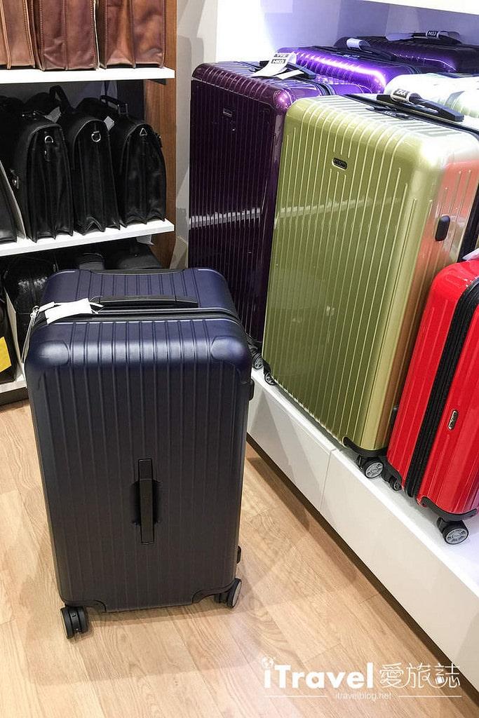 《好好買》Rimowa德國百年工藝旅行箱入手,開箱分享我的第一個Rimowa Topas Sport@Gabler Frankfurt。