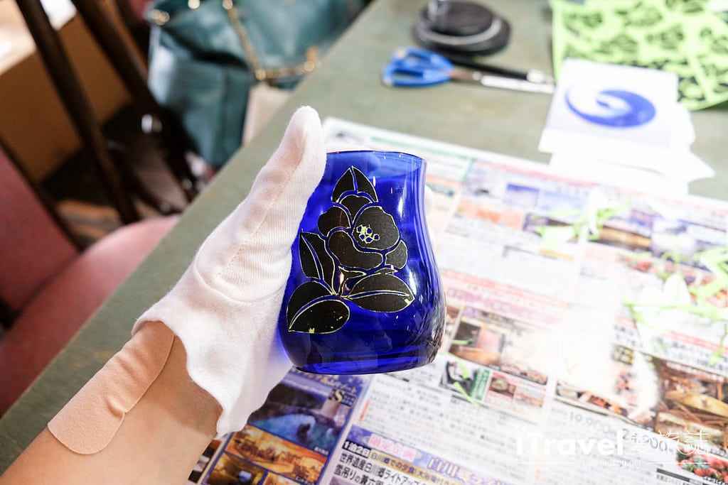 《東京手作工藝》吉祥寺噴砂玻璃工藝體驗:老師中文細心解說教導,帶回獨一無二的紀念品。