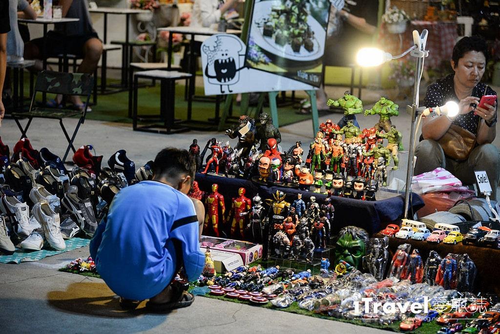 《曼谷夜市集景》華馬夜市:人氣鼎盛的在地商圈型夜市