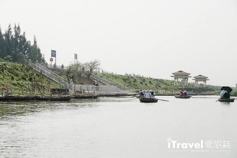 《寧平遊船體驗》雲龍濕地自然保護區:搭乘傳統手搖竹筏,欣賞黑葉猴與蓮花自然資源景觀