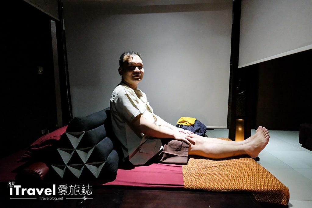 《曼谷按摩推薦》Foot Master:正宗理療推拿按摩足師傅
