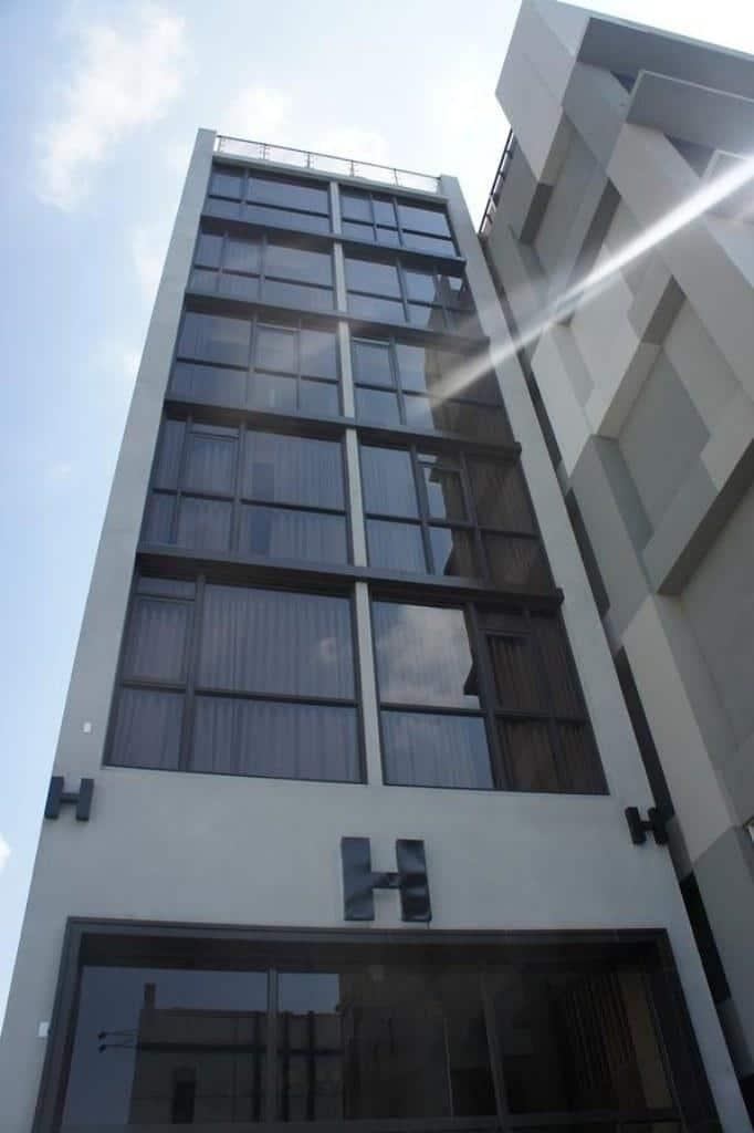 H Inn 1