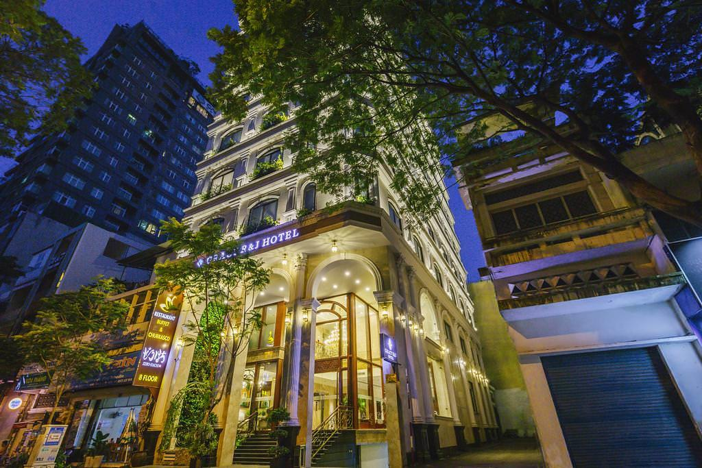 Gracy R&J Hotel 1
