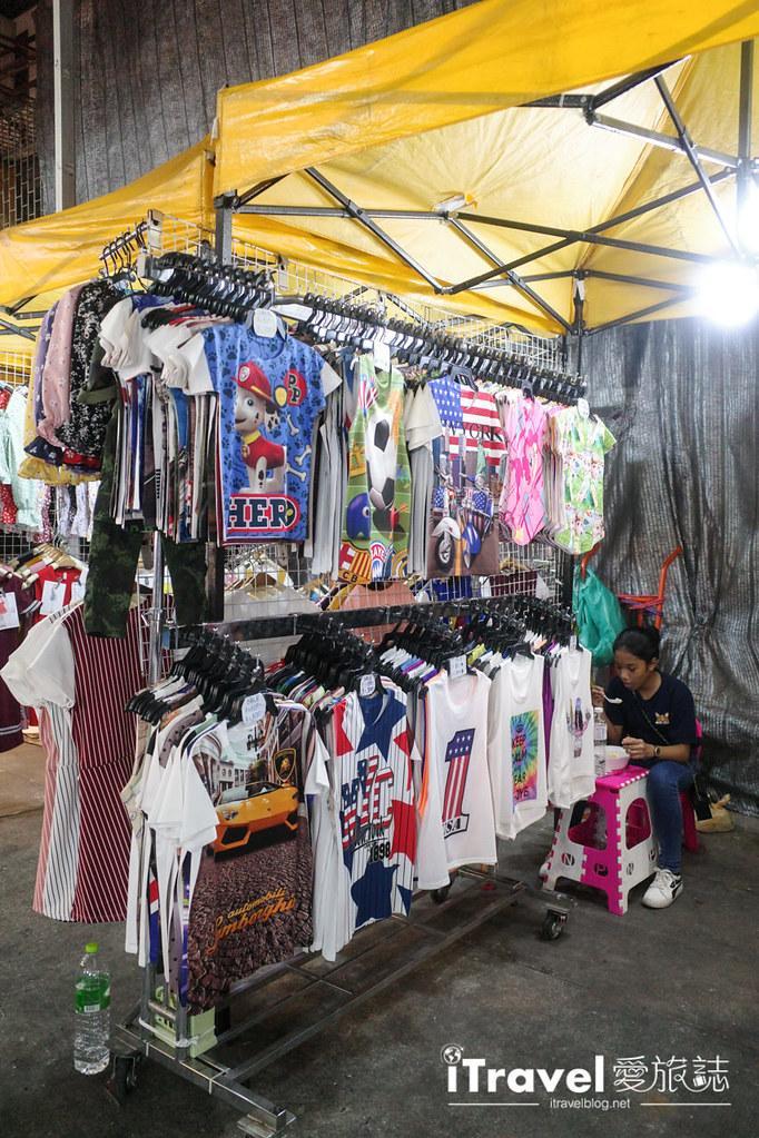 曼谷水門市場夜市 PratuNam Market (27)