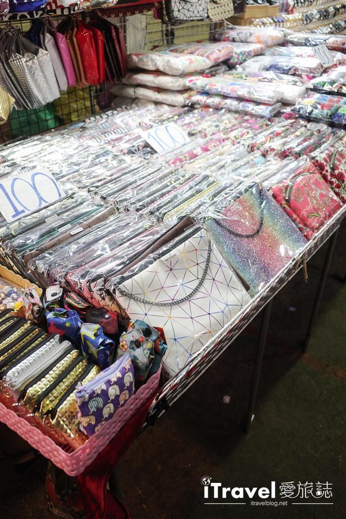 曼谷水門市場夜市 PratuNam Market (34)
