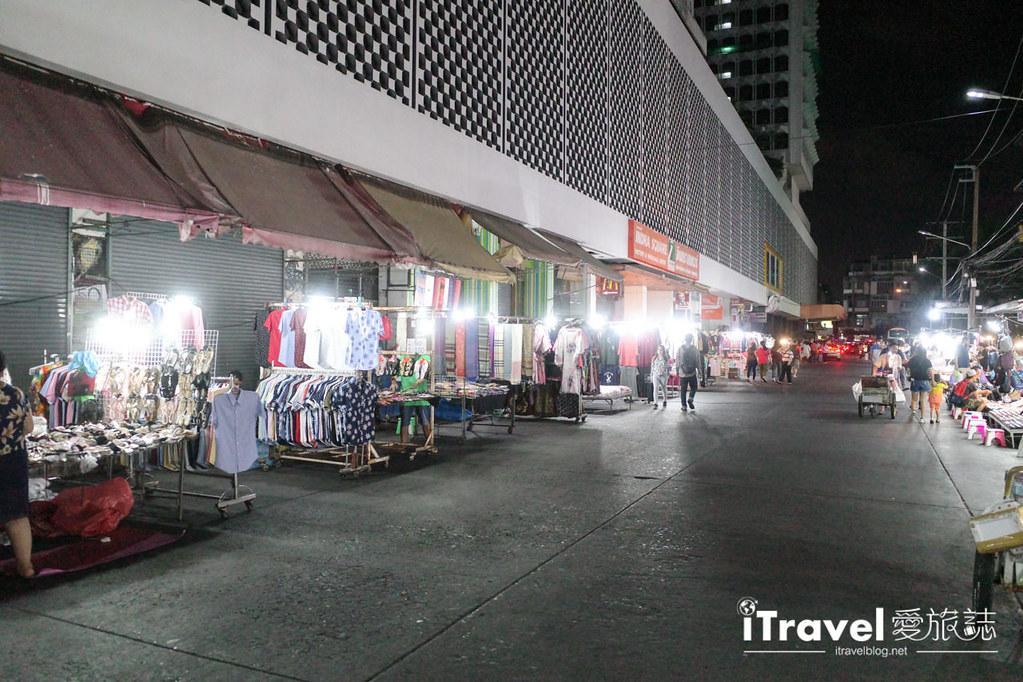 曼谷水門市場夜市 PratuNam Market (38)