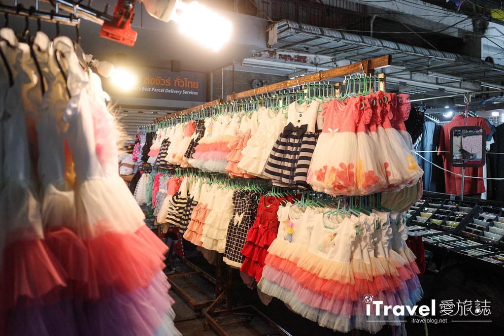 曼谷水門市場夜市 PratuNam Market (40)