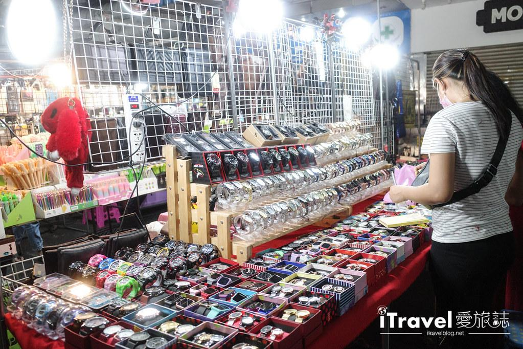曼谷水門市場夜市 PratuNam Market (46)