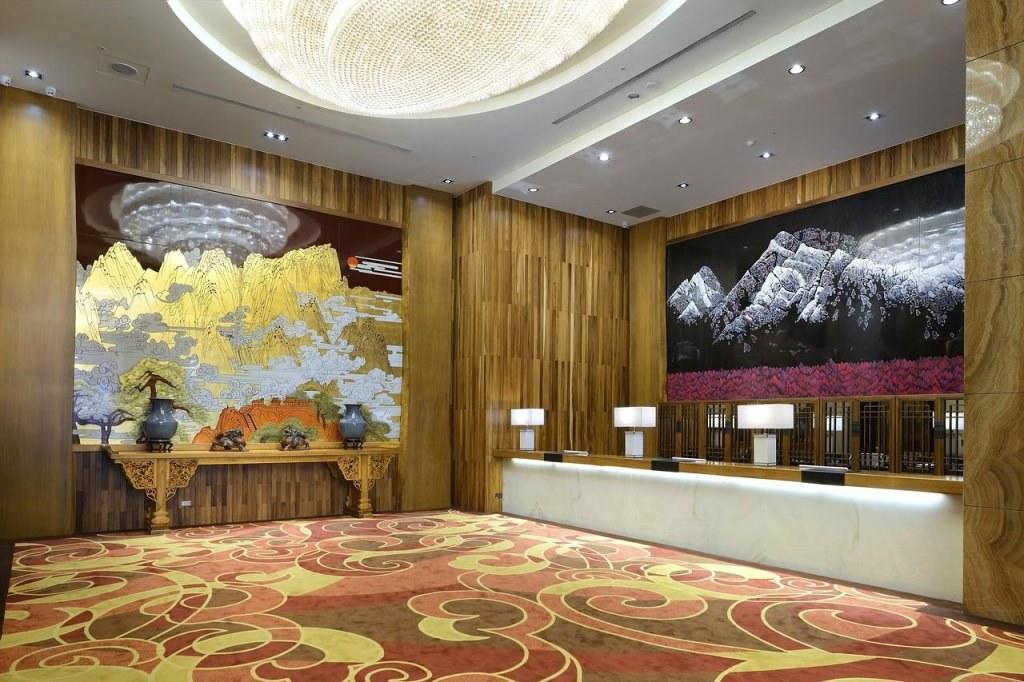 Lixin Grand Hotel Tainan 2