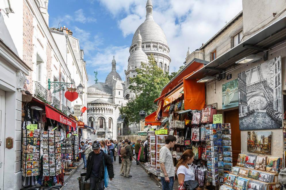 Ταξίδι στη Μονμάρτρη, στην πιο ρομαντική γειτονιά του Παρισιού