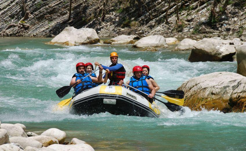 Ψήνεσαι για rafting; Αυτά είναι τα 3 must ποτάμια στην Ελλάδα - iTravelling