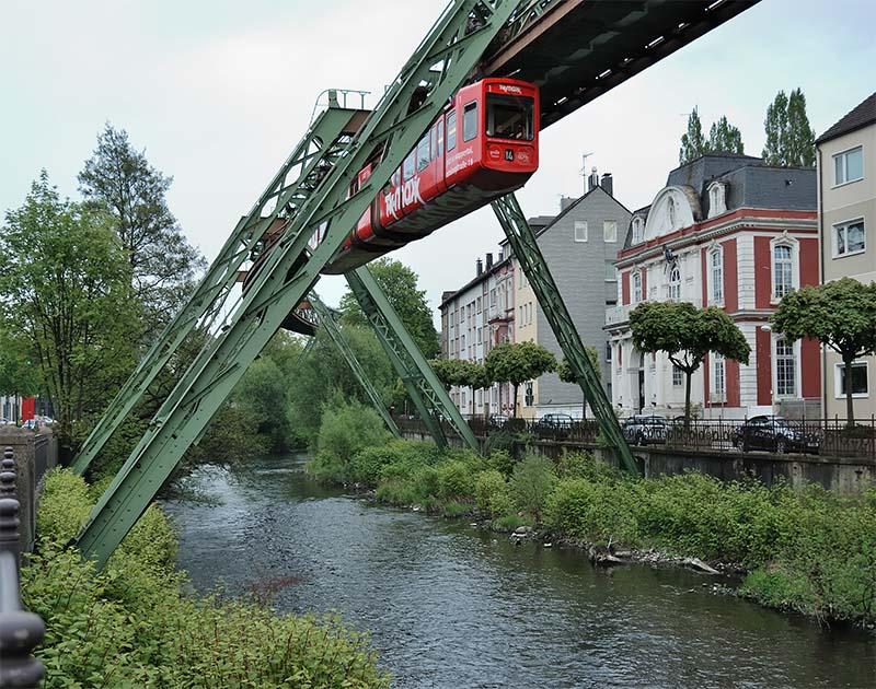 Βόλτα με θέα με το εναέριο τρένο του Wuppertaler