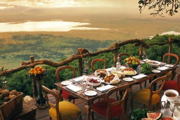Ngorongoro Crater Lodge: Για γεύμα δίπλα στον κρατήρα - iTravelling