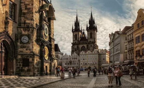 Οι 10 πιο γραφικές πλατείες στην Ευρώπη - iTravelling