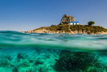 Τα 3 ελληνικά νησιά για τις πρώτες βουτιές - iTravelling