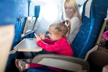 5 tips για ένα άνετο αεροπορικό ταξίδι με το παιδί σου - iTravelling