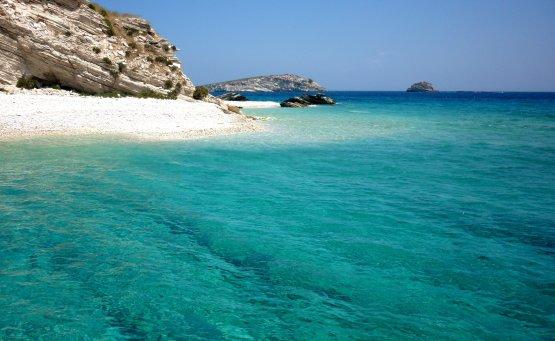 9 ερημικές παραλίες για ξέγνοιαστες βουτιές - iTravelling