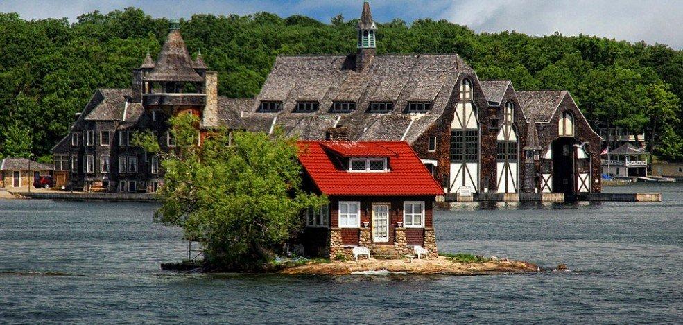 Just Room Enough Island: Το νησάκι που έχει μόνο ένα σπίτι! - iTravelling