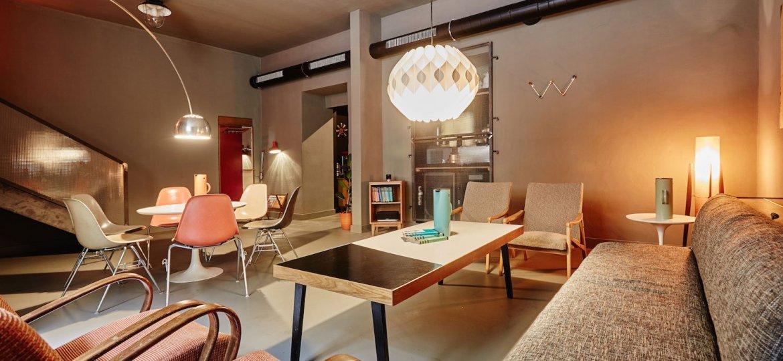 Lounge Bohemia: Ένα μυστικό μπαρ στην Πράγα - itravelling.gr