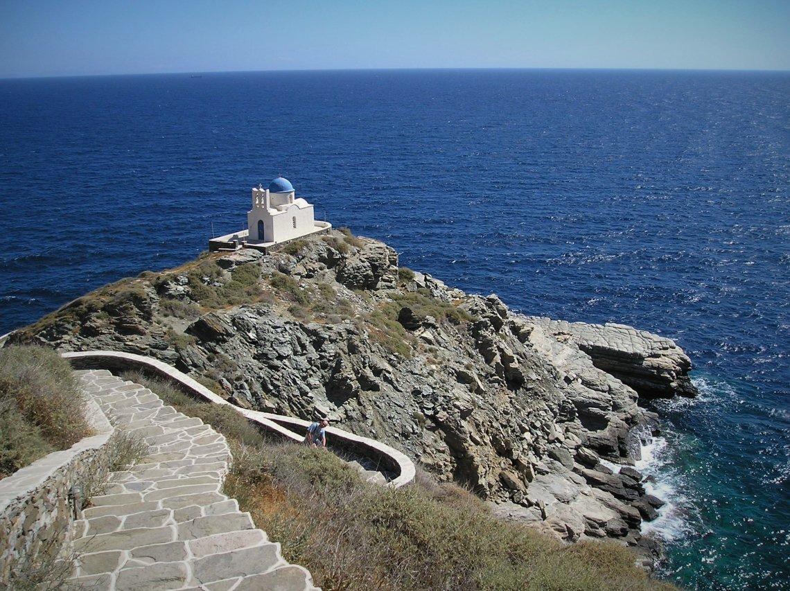 Σίφνος: Ταξίδι πίσω στο χρόνο στο Κάστρο της Σίφνου - iTravelling